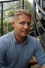 Peter Carlsson arbetar som area sales manager hos Elverdal.